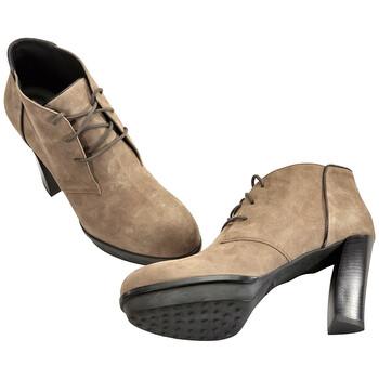 Giày Tod's nữ Midcalf Booties màu sáng Mud / màu đen chính hãng